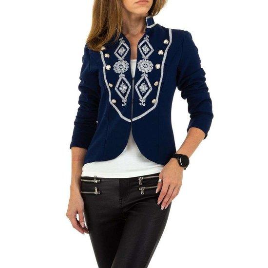 Trendy korte blauwe blazer.