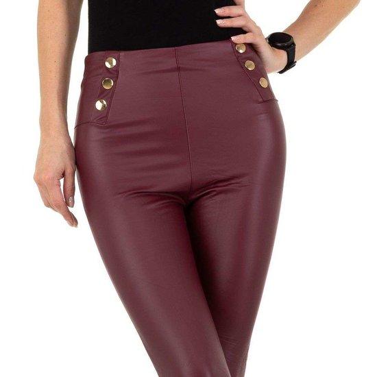 Bordeaux leather look legging met sierknoppen.SOLD OUT