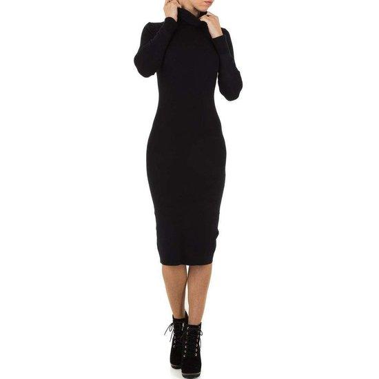 Sexy lange zwarte trui-jurk.