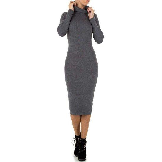 Sexy lange grijze trui-jurk.
