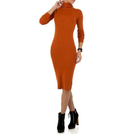 Sexy lange oranje trui-jurk.