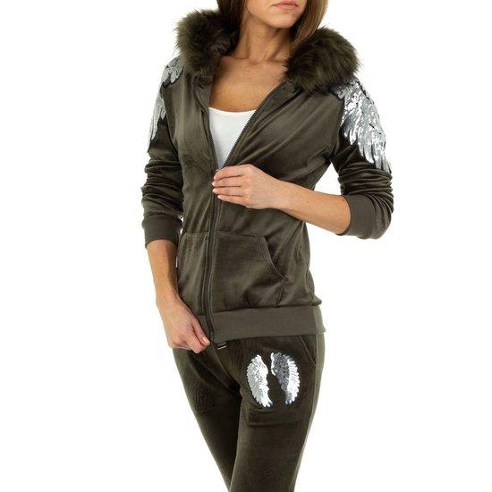 Armygreen fashion loungewear.