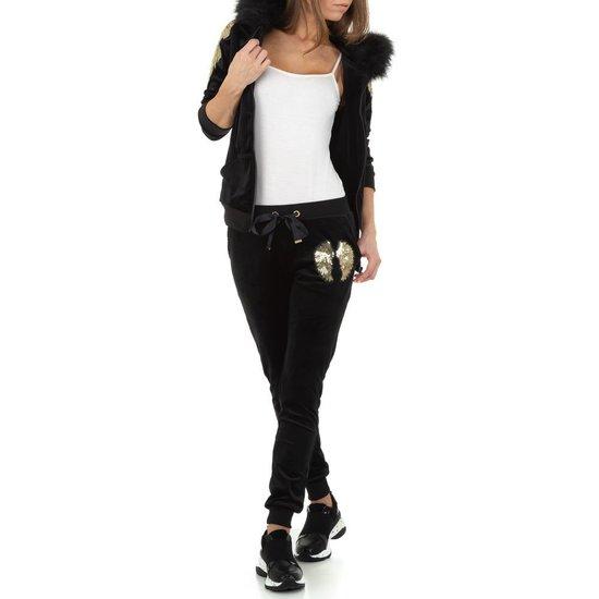 Zwarte fashion loungewear.