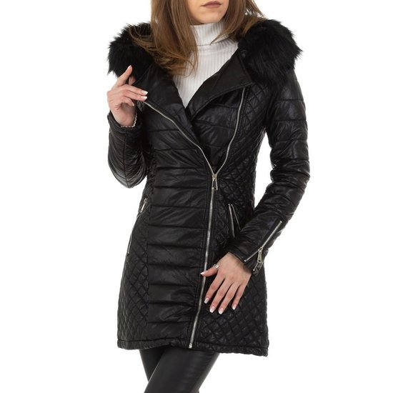 Stylish zwarte gewatteerde jas in leatherlook.