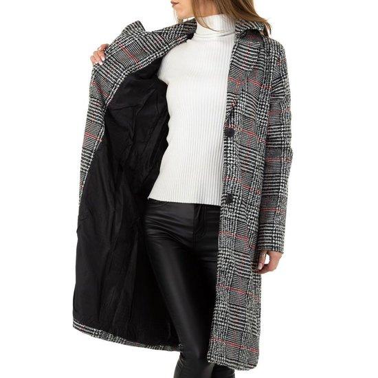 Zwart grijze  geruite 3/4 jas.