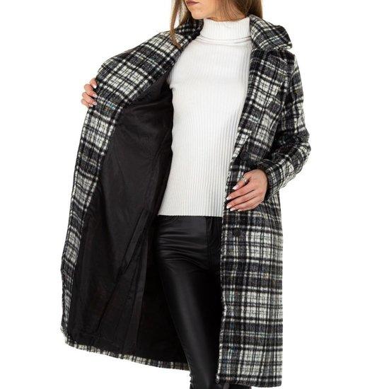 Zwarte geruite 3/4 jas.
