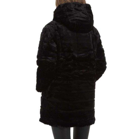 3/4 omkeerbare zwarte jas.