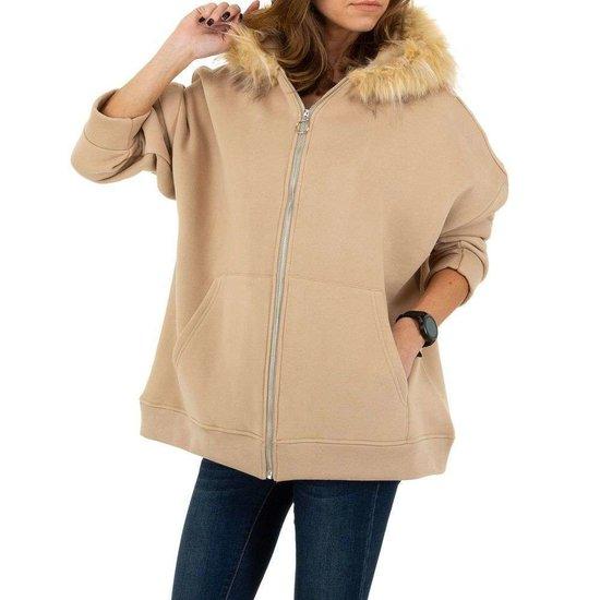 Kaki oversized sweater.