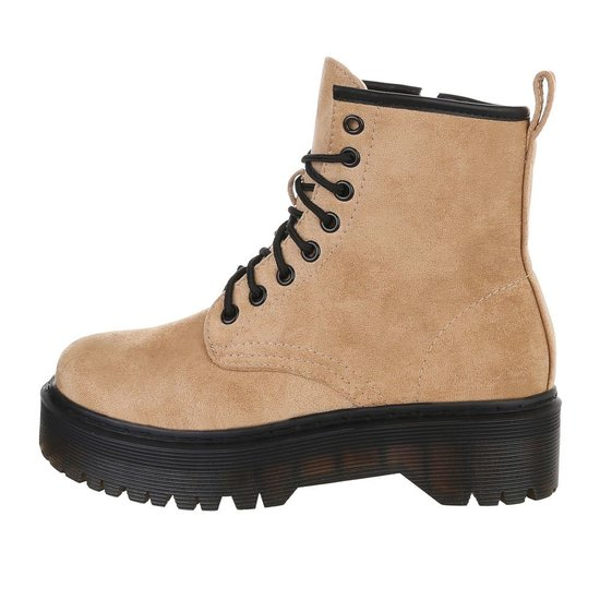 Beige hoge veterboot Hana in daim.SOLD OUT