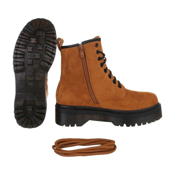 Camel hoge veterboot Hana in daim.
