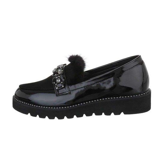 Lage zwarte schoen Betty.