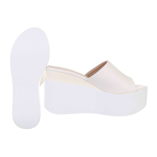 Trendy witte sandaal Frances.