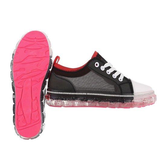 Modieuze zwarte mix sneaker Samia.