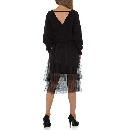 Zwarte gebreide jurk.
