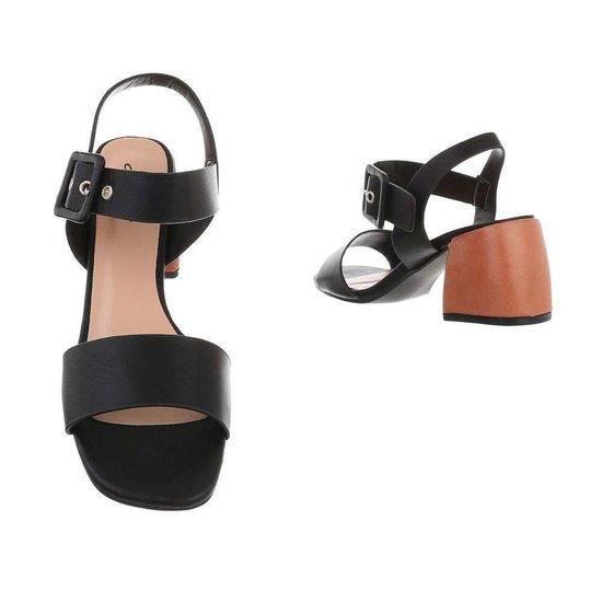 Modieuze zwarte sandaal Ester.