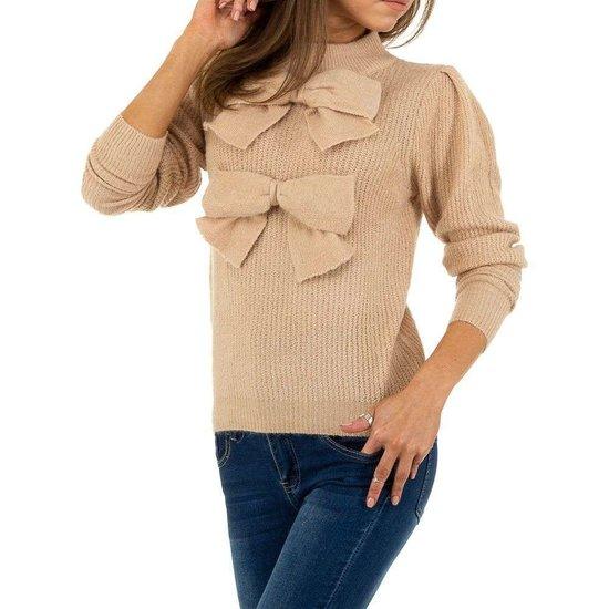 Kaki trendy pullover.