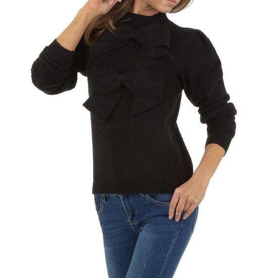 Zwarte trendy pullover.