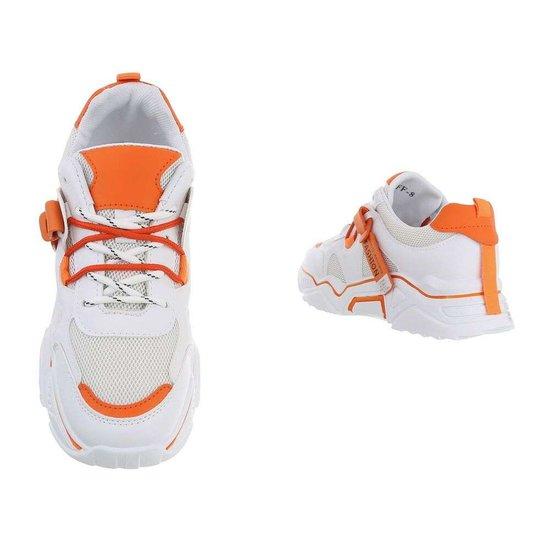 Trendy lage oranje sneaker Gerda.