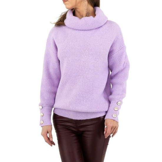 Oversized lila pullover.