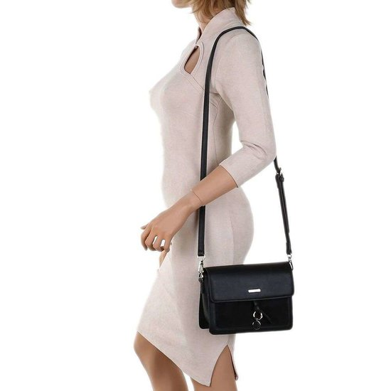Classy kleine rechthoekige zwarte schoudertas.