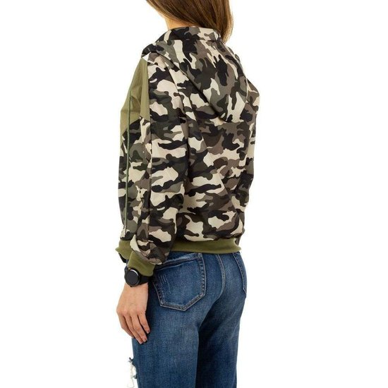 Casual camouflage sweater.