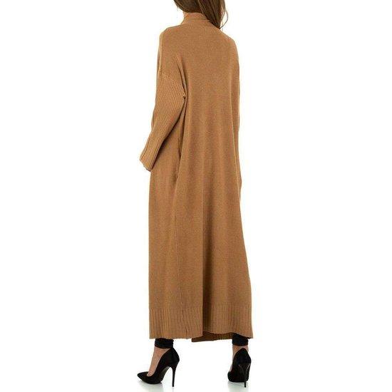 Modieuze bruine cardigan.