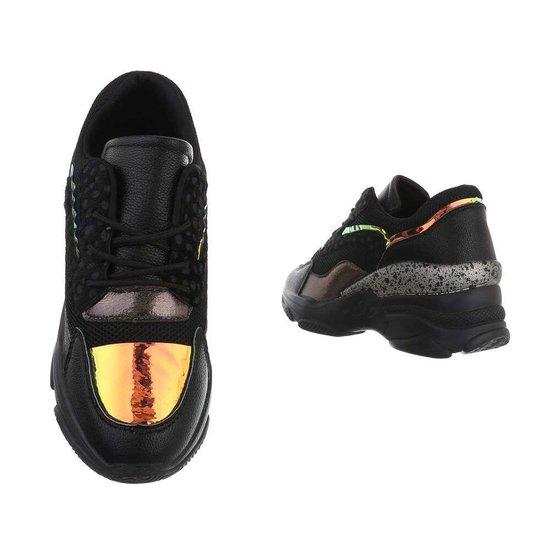 Fashion hoge zwarte sneaker Vincy.