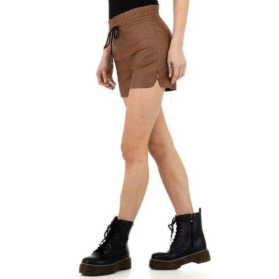 Hippe bruine leatherlook short.