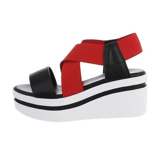 Zwart/rode sandaal met sleehak Joke.