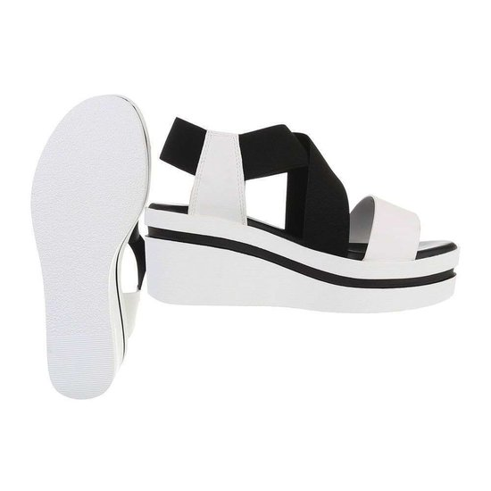 Zwart/witte sandaal met sleehak Joke.