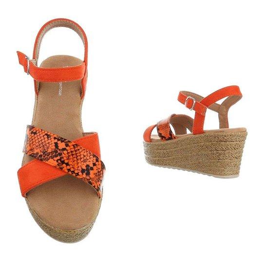 Trendy oranje wedge Kadi.