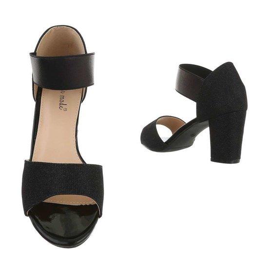 Zwarte sandaal Brea.