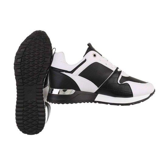 Trendy zwart/witte sneaker Naomi.