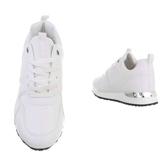 Trendy witte sneaker Naomi.