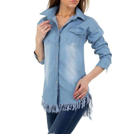 Trendy lichtblauw jeans hemd.