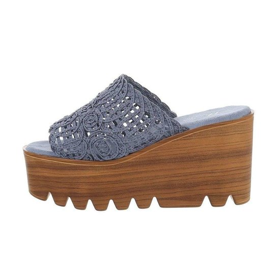 Blauwe hoge sandaal met sleehak Kaja.SOLD OUT