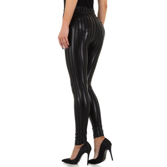 Fashion zwarte gestreepte legging.