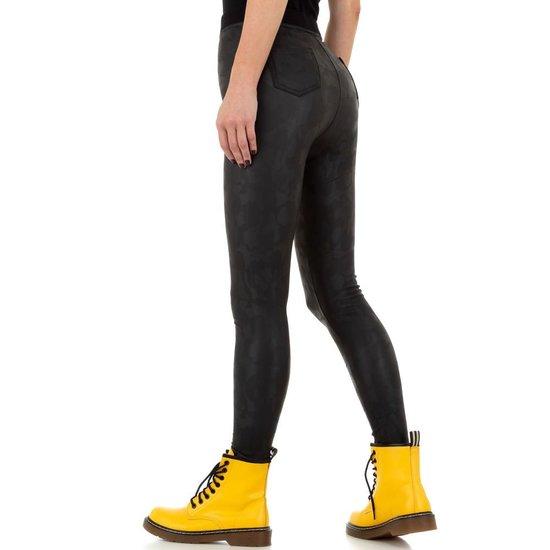 Fashion zwarte gevlekte legging.