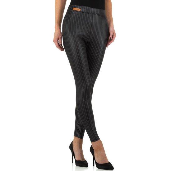 Fashion zwarte legging met lijnen.