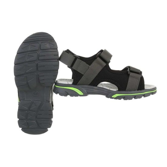 Trendy zwarte kinder sandaal Franki.