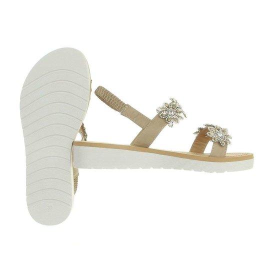 Beige lage sandaal Neba.