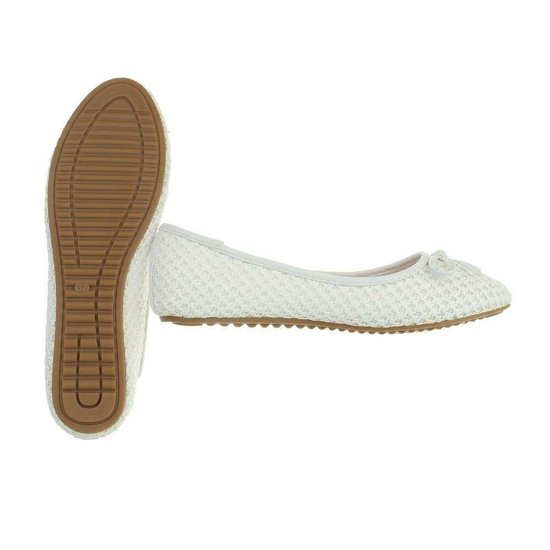 Classy witte ballerina Gaila.SOLD OUT