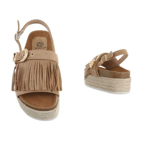 Trendy beige platform sandaal Abigail.SOLD OUT