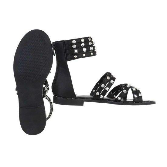Trendy lage zwarte sandaal Liva.