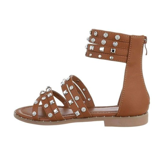 Trendy lage camel sandaal Liva.