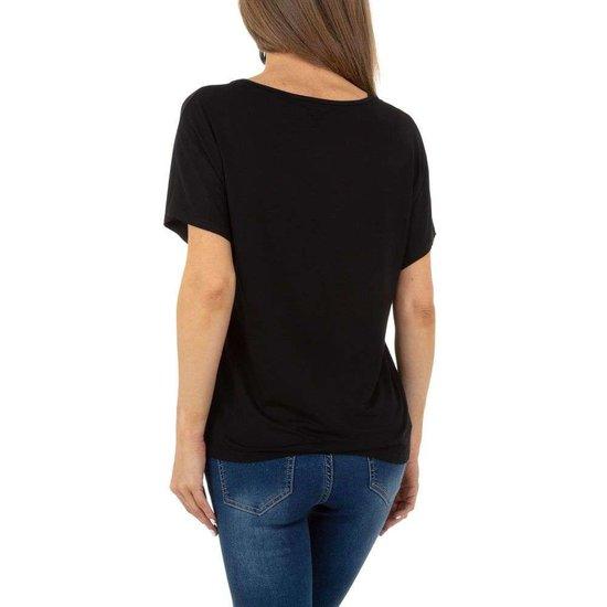 Zwarte t-shirt met motief.
