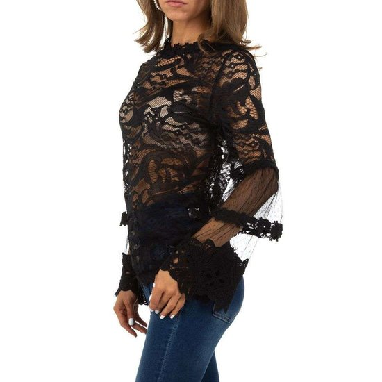 Elegante zwarte blouse in kant.