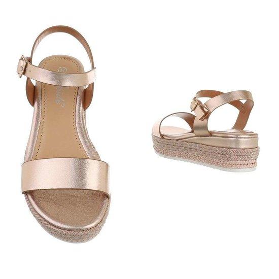 Champagne sandaal met sleehak Sena.