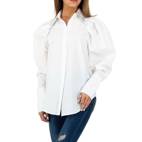 Hippe witte hemdblouse.