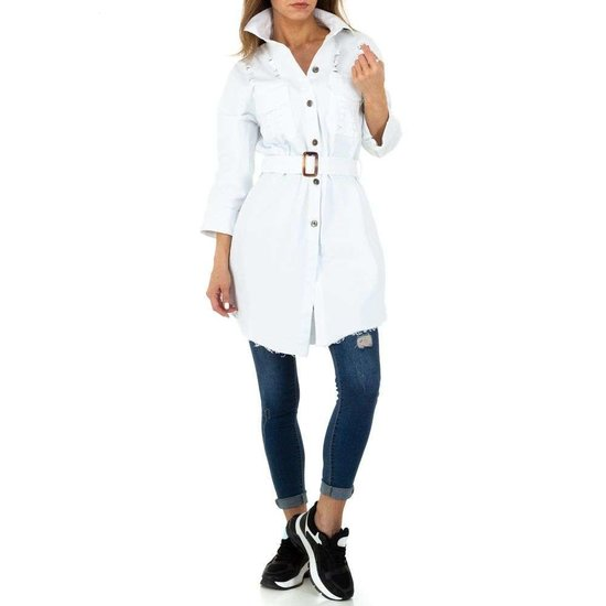 Hippe korte witte jas.